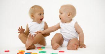 Beszélgető babák