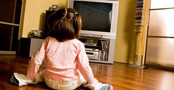 A tévénézés alvászavarokat okozhat a gyerekeknél