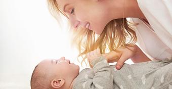 Szopóhólyag: mi ez a baba száján?
