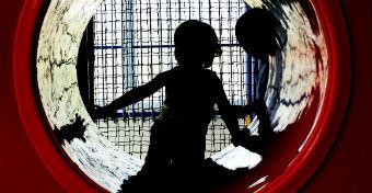 Ha furcsa a gyerek - Az autizmus tünetei és kezelése