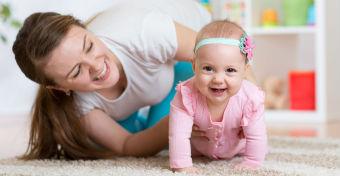 A 6-9 hónapos baba fejlődése - Gyakorlatok, amivel segítheted