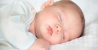 Pattanások a babán: mi okozza és meddig tart?
