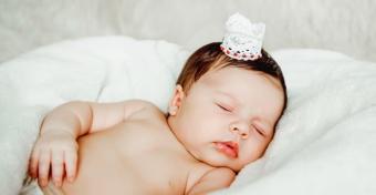 Babafészek: a biztonságos babafekhely