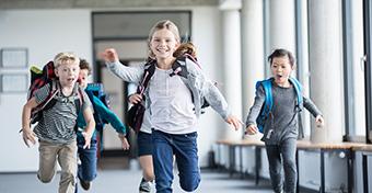 Munkaszüneti napok, hosszú hétvégék, iskolai szünetek a 2021-2022-es tanévben