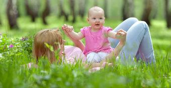 Nyári babajátékok a szabadban