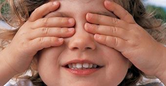 Szemcseppek és szemkenőcsök alkalmazása csecsemő- és gyermekkorban