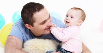 Az Om-módszerre esküszik egy apa, ha nyugtatni kell a babát
