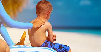 Használhatunk felnőtt naptejet a gyereknél?