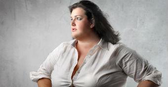 A túlsúlyos anyák hajlamosak a gyerekeiket is túletetni?