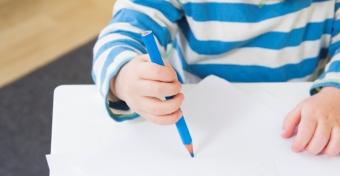 Ceruzafogás: állomások és kézerősítő tippek
