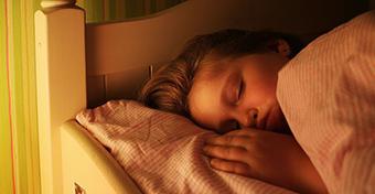 Ha keveset alszik a gyerek, érzelmileg is sebezhetőbbé válik