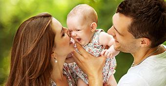 Melyik szülő maradjon otthon a babával?