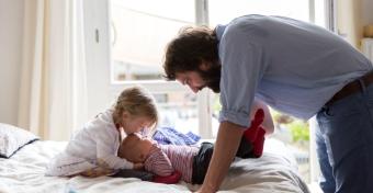 Sokkal több időt töltenek a gyerekeikkel a mostani apukák