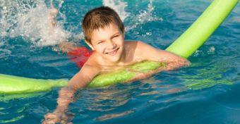 Ami tényleg jól jön, ha úszni tanul a gyerek