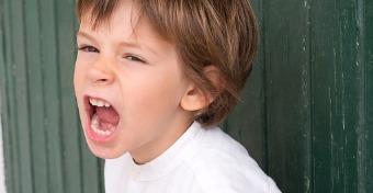 Így segíthetsz a fiadnak a harag kezelésében