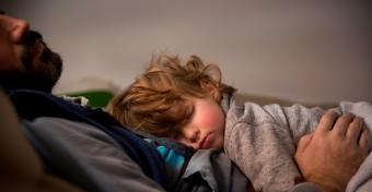Kor szerint változik az alvásigény