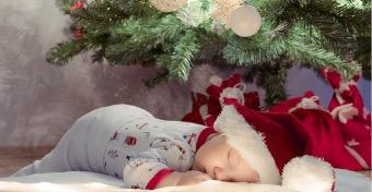 Így lehet bababiztos a karácsonyfátok