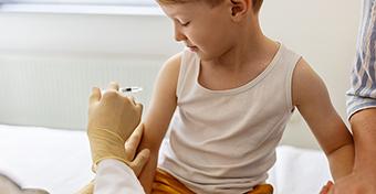 Miért nem kaphatnak COVID elleni oltást a gyerekek?