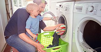 Hogyan vegyük rá a gyerekeket a házimunkára veszekedés nélkül?