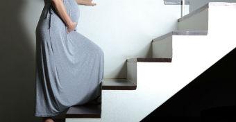 Beindítja a szülést a lépcsőzés? - Fájáscsalogató trükkök