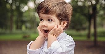 Hogyan veheted rá a gyereket, hogy ne piszkálja az arcát?