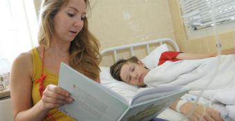 Kis kórházi illemtan: hogyan viselkedjünk a gyerekosztályon?