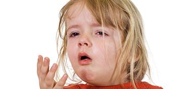 Köhögés, torokfájás, fülgyulladás? Reflux is okozhatja!