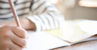 Ezért jó, ha kézzel írnak a gyerekek