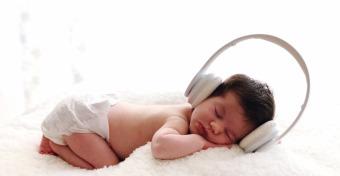 Jobban alszanak a babák zenével?