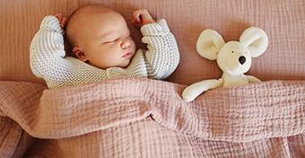 Letölthető babacsomaggal segíti a MOME a karantén idején szülő anyákat