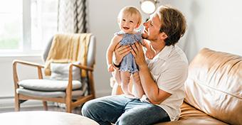 Miért boldogabbak az apák, mint az anyák?