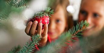 Boldogabb lehetsz, ha korán díszíted a karácsonyfát?
