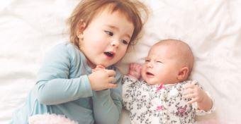 A lánytestvérek jobb emberré teszik egymást