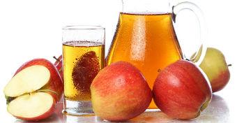 Az almalé segít gyomor-bélhurutnál, hogy ne száradjon ki a gyerek