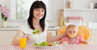 Étkezés szoptatás idején