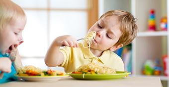 Allergiát okozhatnak a túl színes élelmiszerek?