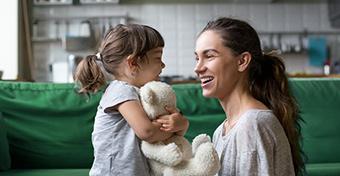 Törölték az OKJ-s képzésből a nevelőszülői szakképesítést