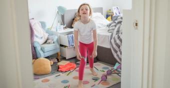 Így tudod rávenni a gyereket, hogy jól viselkedjen a karantén alatt