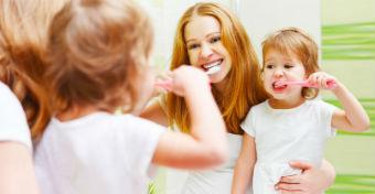 Hány éves kortól moshatja a gyerek egyedül a fogait?