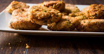 Hamis csicseriborsós csirkefalatkák recept