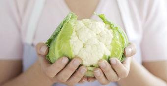 Mit egyél, ha szoptatsz? Tényleg kell a túlsúly a sikerhez?