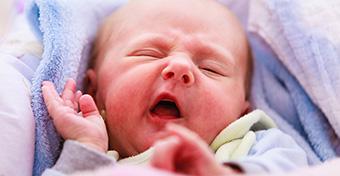 Miért nyöszörögnek a kisbabák?