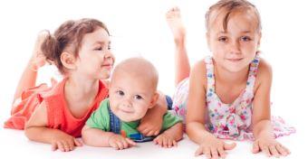 Gyorsabban fejlődik a gyerek, ha nagycsaládban él?
