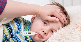 Mikor kell orvost hívni a lázas gyerekhez? 6 figyelmeztető jel