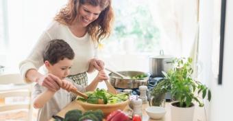 3 egyszerű trükk, hogy megegye a zöldséget és a gyümölcsöt