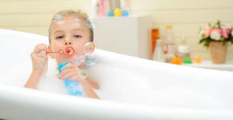 7 tipp a gyermek esti fürdetéséhez