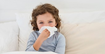 A koronavírus tünetei és súlyossága gyerekeknél