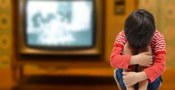 Tévézés a nagyinál