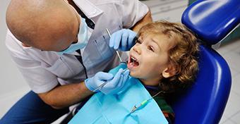 Ha nem viszed fogorvoshoz, csökkenhet a családi pótlék