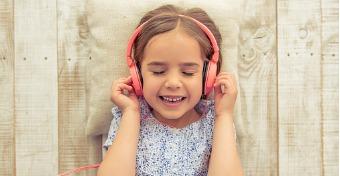 Miért szeretik a gyerekek a rémes zenét?
